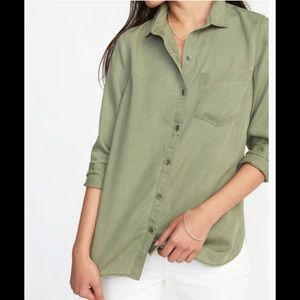 Old Navy blouse soft &comfy Layer perfect!⭐️SALE